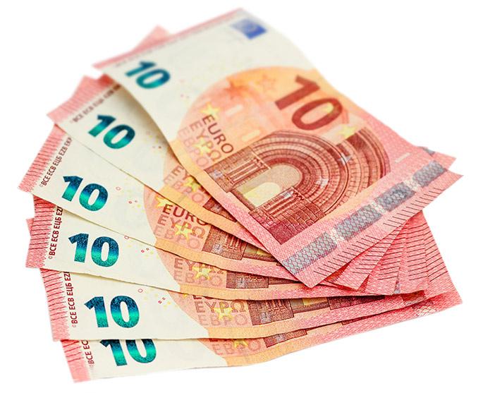 Afbeelding zes briefjes van tien euro in een waaier